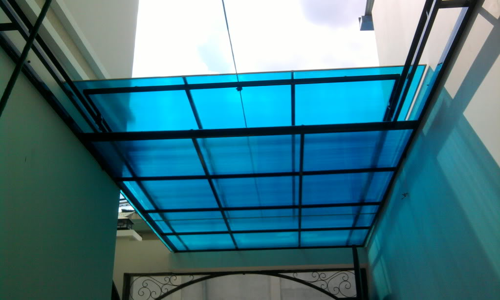 Tấm nhựa polycarbonate