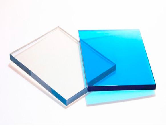 Tấm nhựa lấy sáng polycarbonate đặc ruột