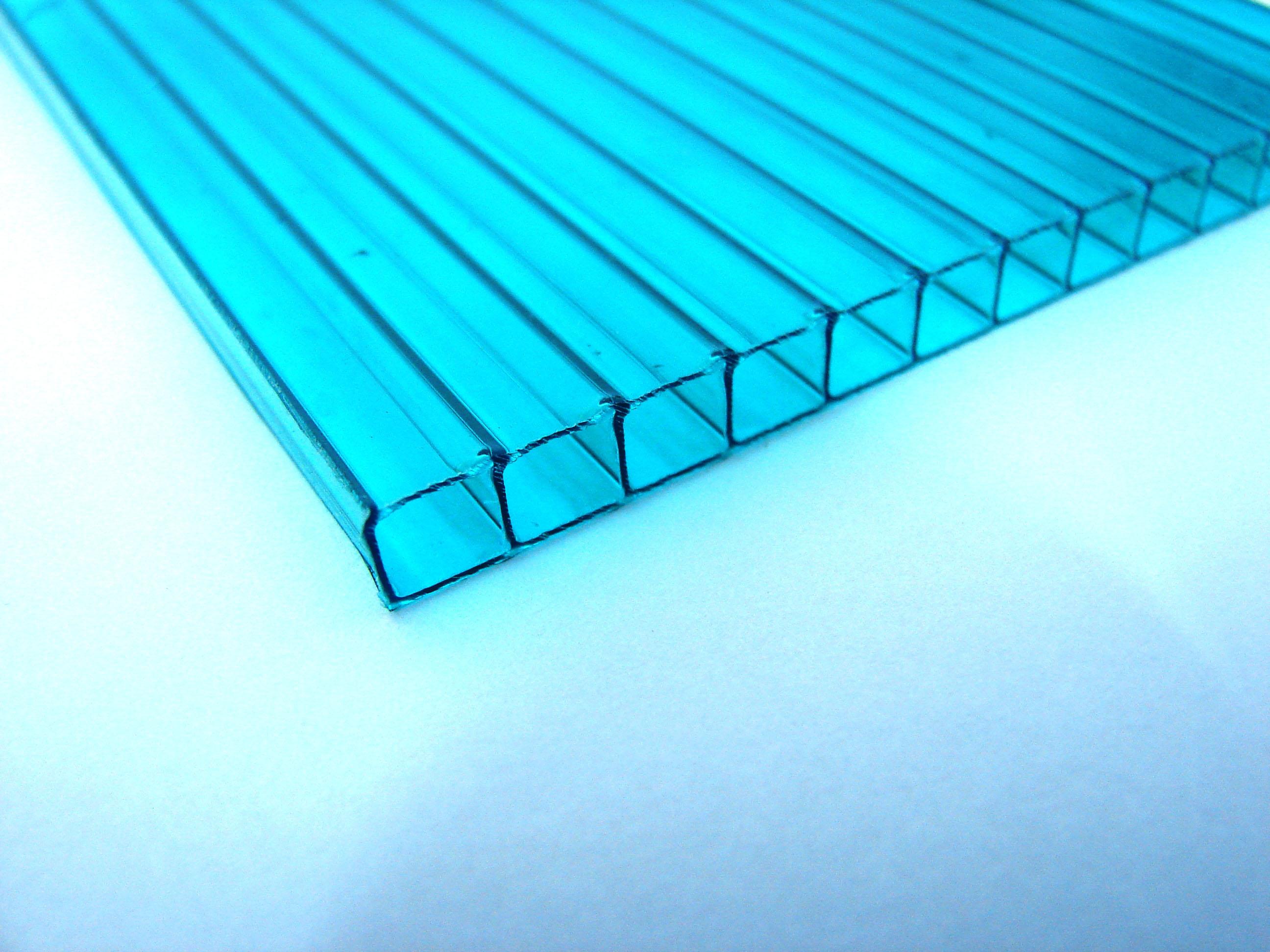 tấm nhựa lấy sáng polycarbonate