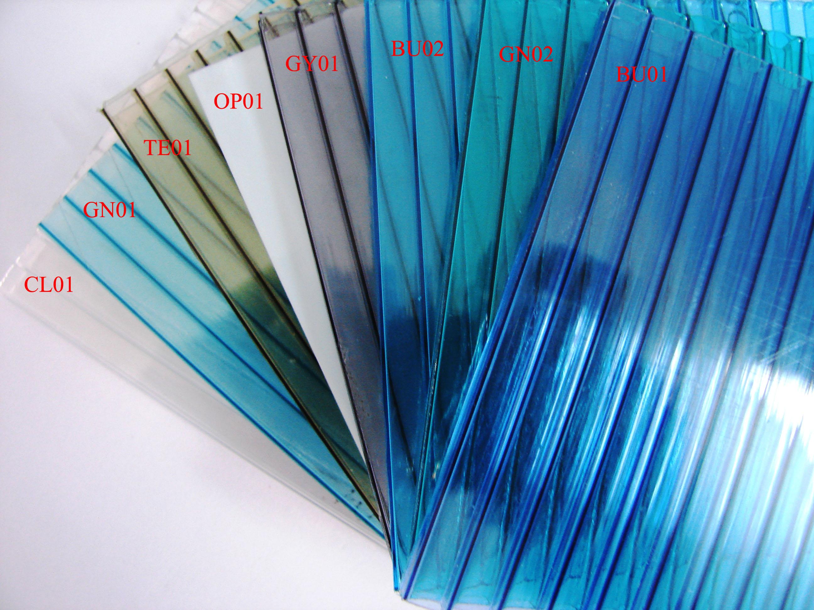 Tấm nhựa lấy sáng màu xanh